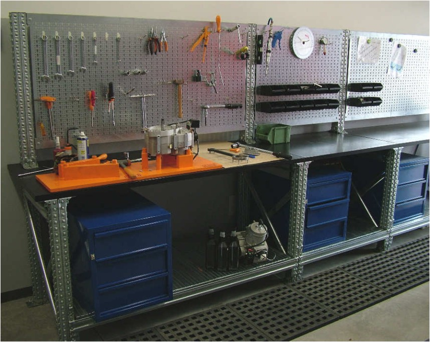 vybavení do dílny a skladu